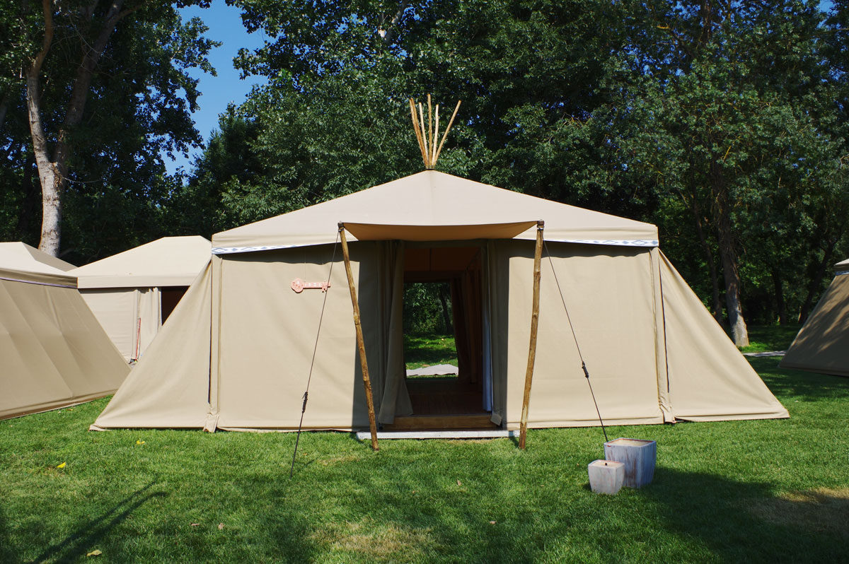carpa tipi tent room
